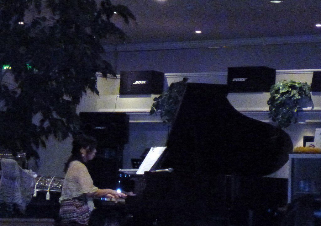 ピアノ演奏①